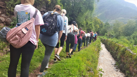 Wiracocha Spanish School treks