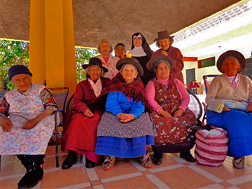 Elderly Care Volunteer Work in cusco peru wiracocha spanish school