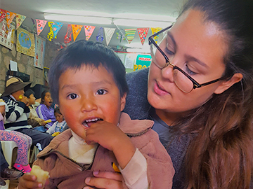 Volunteer work with Children in cusco peru wiracocha spanish school